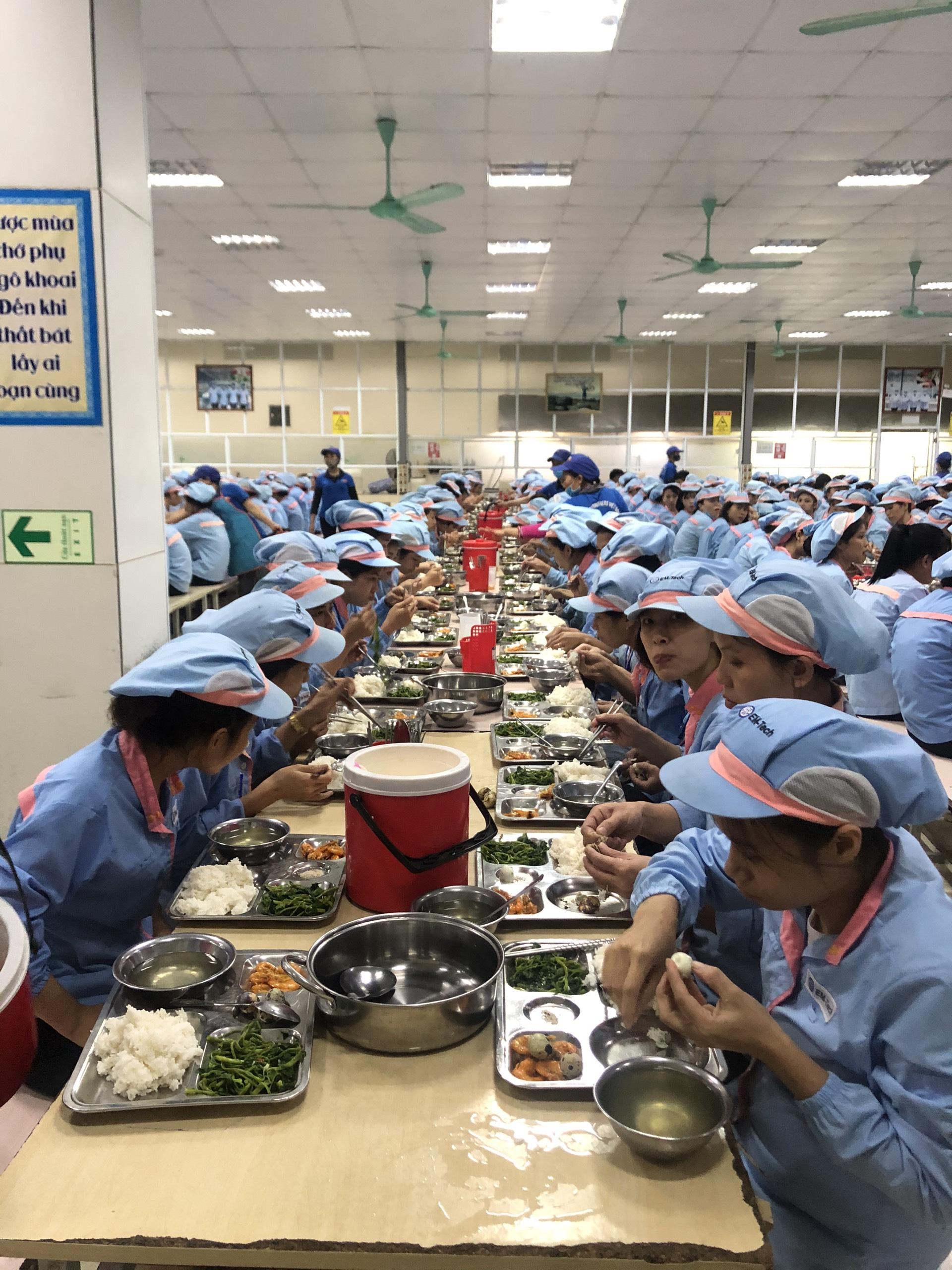 dịch vụ cung cấp suất ăn công nghiệp tại Quảng Ninh