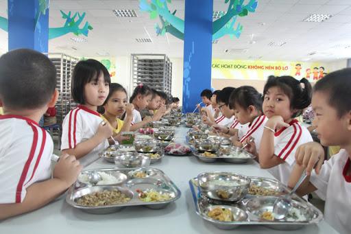 đảm bảo dinh dưỡng trong suất ăn trường học