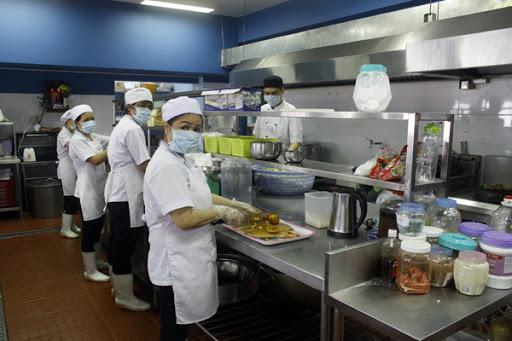 nguyên tắc vệ sinh an toàn trong chế biến suất ăn công nghiệp