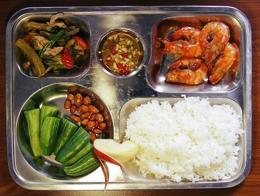 suất ăn công nghiệp Thái Nguyên